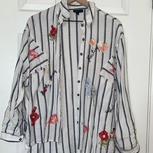 Fashionable button up